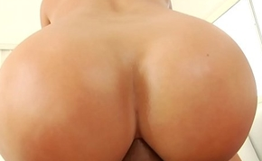 PAWG anal ride after motor vehicle wash - Candice Affair