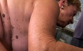 Hugetit babe pussylicking beside granny