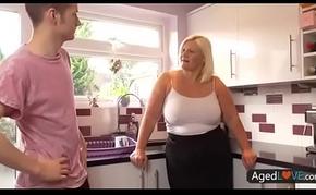 blonde bbw cookhouse