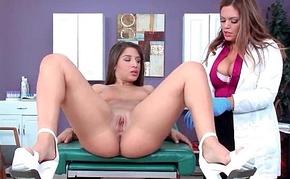 Hot Kinky Patient (Jasmeen Lefleur &amp_ Abella Danger) Seduced By Dilute Enjoy Sex Treatment clip-1