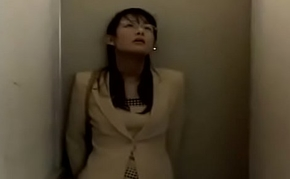 Who is this actress together with an obstacle jav code? (part 2)